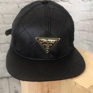 Official Crown of Laurel Black Stato Doarada hat